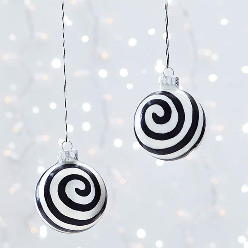Awesome Ornaments Clinton Kelly